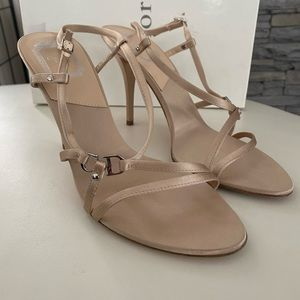 Christian Dior beige open toed pump. Size 39.5